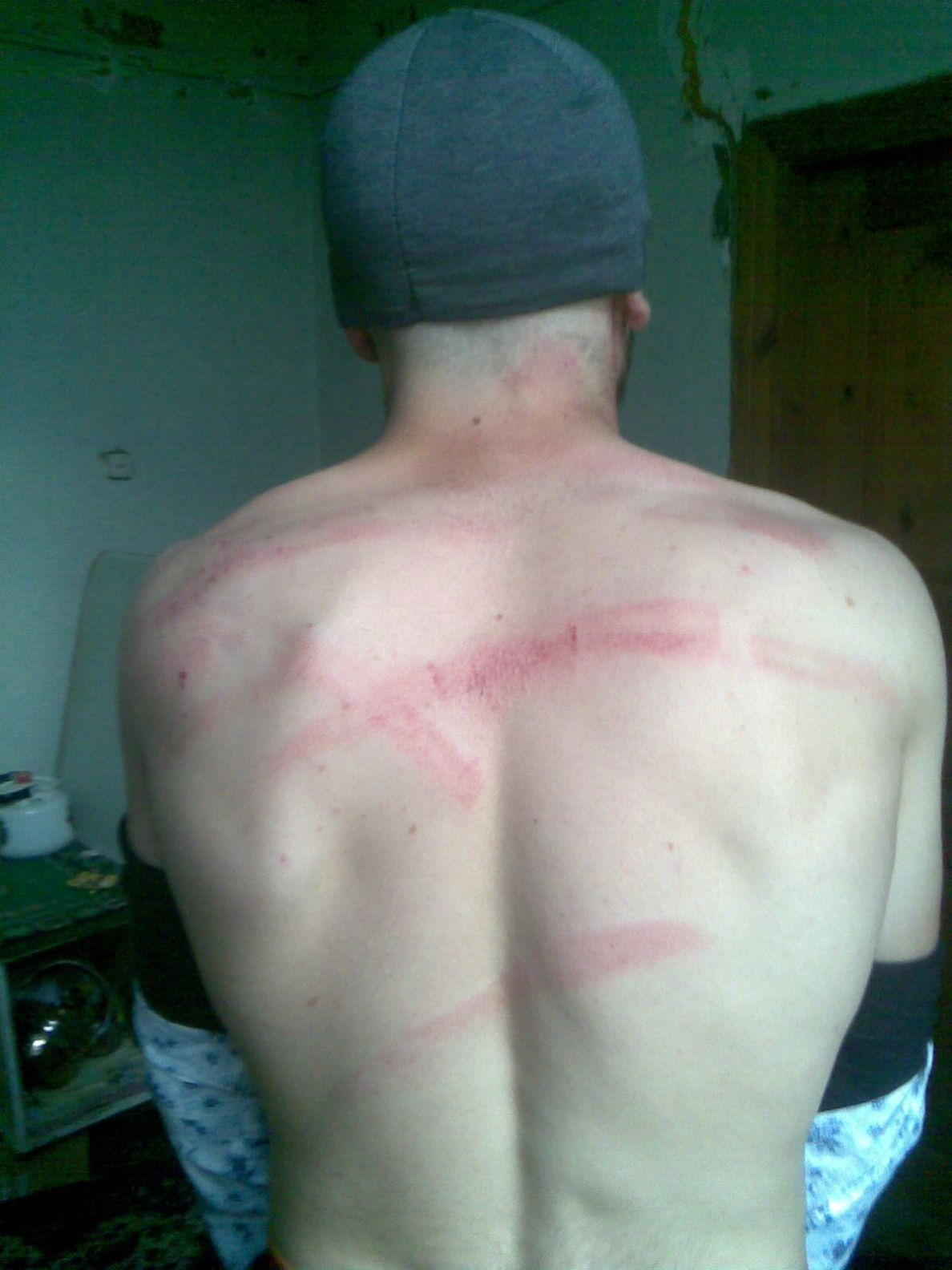 Пытки парней в картинках 8 фотография